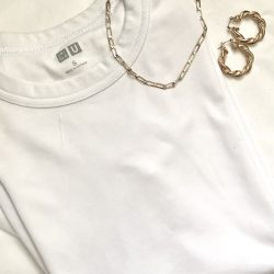 【ユニクロ】白と黒の定番Tシャツでも夏コーデはここまでオシャレに!