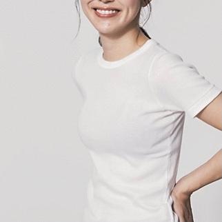 【ユニクロ、GU、無印】美胸が叶うアイテム5選! Tシャツのインナー問題を解決