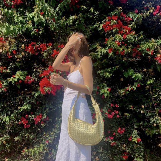 【ボッテガ】人気バッグを使った秋の高見えオールホワイトコーデ