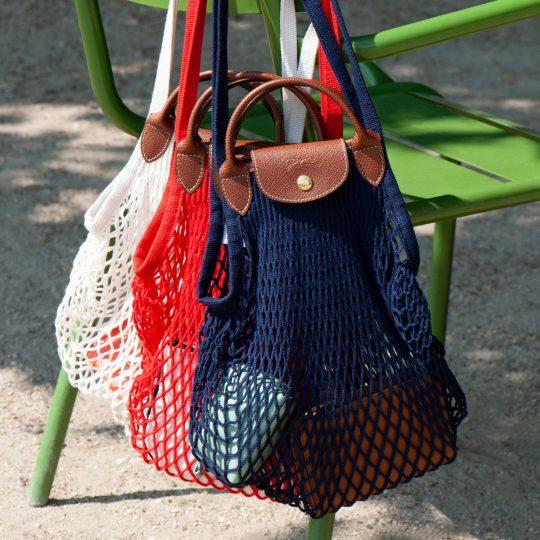 【ロンシャン人気バッグ】着こなしに映えるレッド&ネイビーの新カラーが登場!